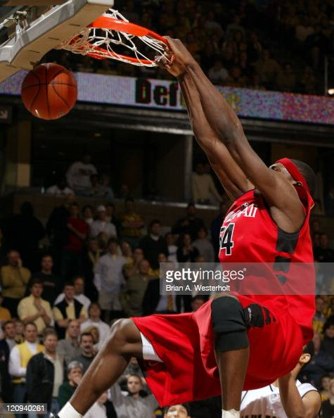 Jason Maxiell throws down a monster 2hand jam late in the second half of Cincinnati's 9185 loss to Wake Forest February 15 2004