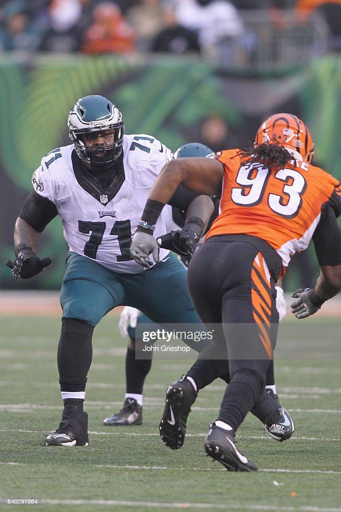 7d9540b38 ... Stitched NFL Vapor Untouchable Limited Jersey Jason Peters 71 of the  Philadelphia Eagles pass blocks against Pat Sims 93 of ...