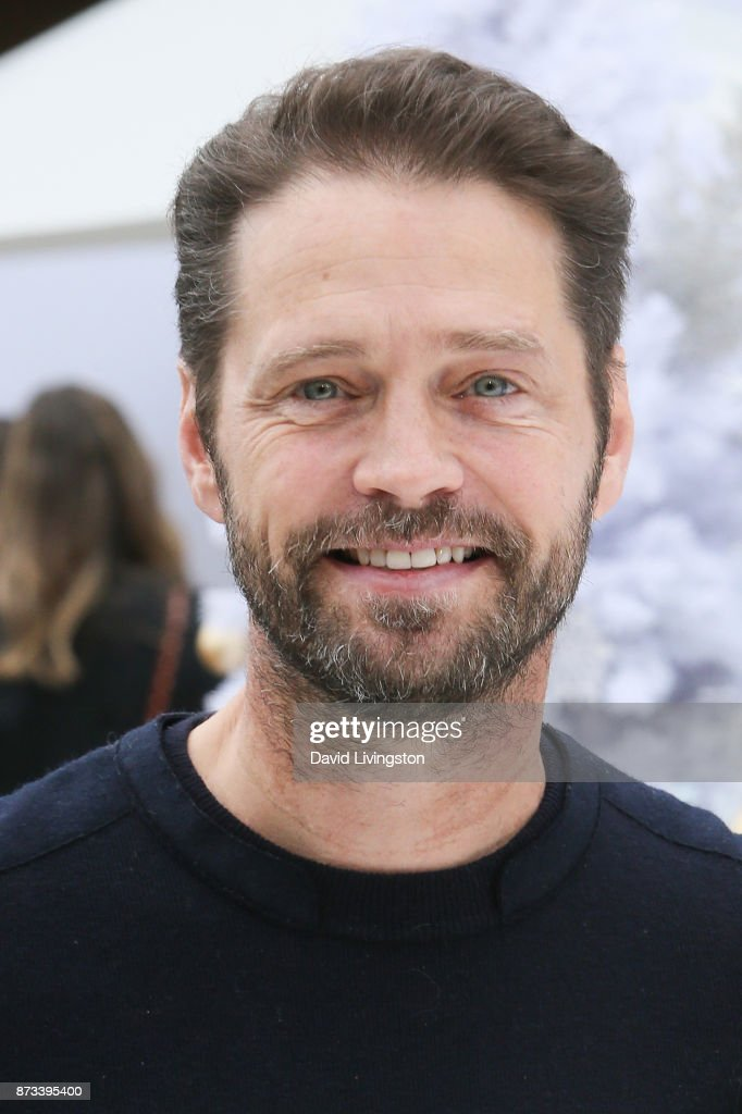 Jason Priestley arrives at the Premiere of Columbia Pictures' 'The Star' at the Regency Village Theatre on November 12, 2017 in Westwood, California.