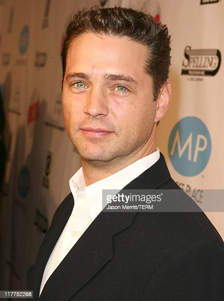 Jason Priestley during 'Beverly Hills 90210' and 'Melrose Place' DVD Launch Party Pink Carpet at Beverly Hilton in Beverly Hills California United...