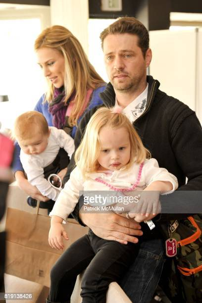 Jason Priestley family attends Silver Spoon Presents Oscar Weekend Red Cross Event For Haiti Relief at Interior Illusions on March 3 2010 in West...