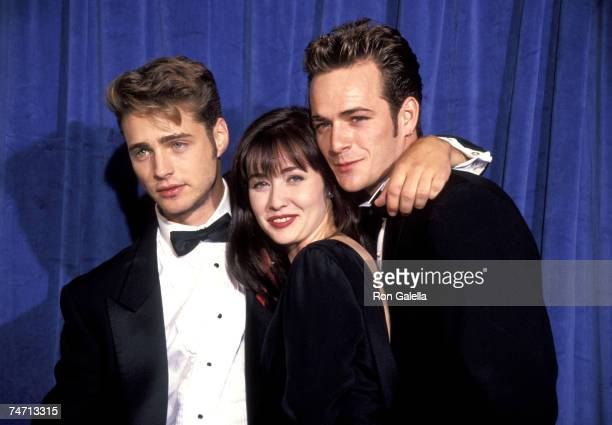 Jason Priestley Shannen Doherty and Luke Perry at the Pasadena Civic Center in Pasadena California
