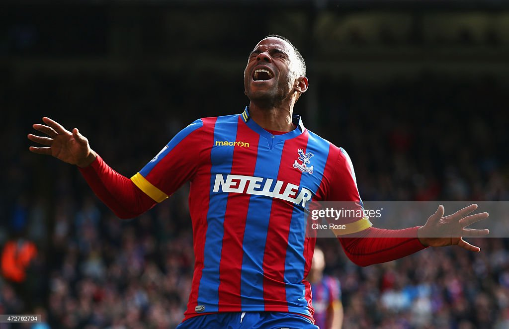 <a gi-track='captionPersonalityLinkClicked' href=/galleries/search?phrase=Jason+Puncheon&family=editorial&specificpeople=747694 ng-click='$event.stopPropagation()'>Jason Puncheon</a> of Crystal Palace celebrates his team's first goal during the Barclays Premier League match between Crystal Palace and Manchester United at Selhurst Park on May 9, 2015 in London, England.