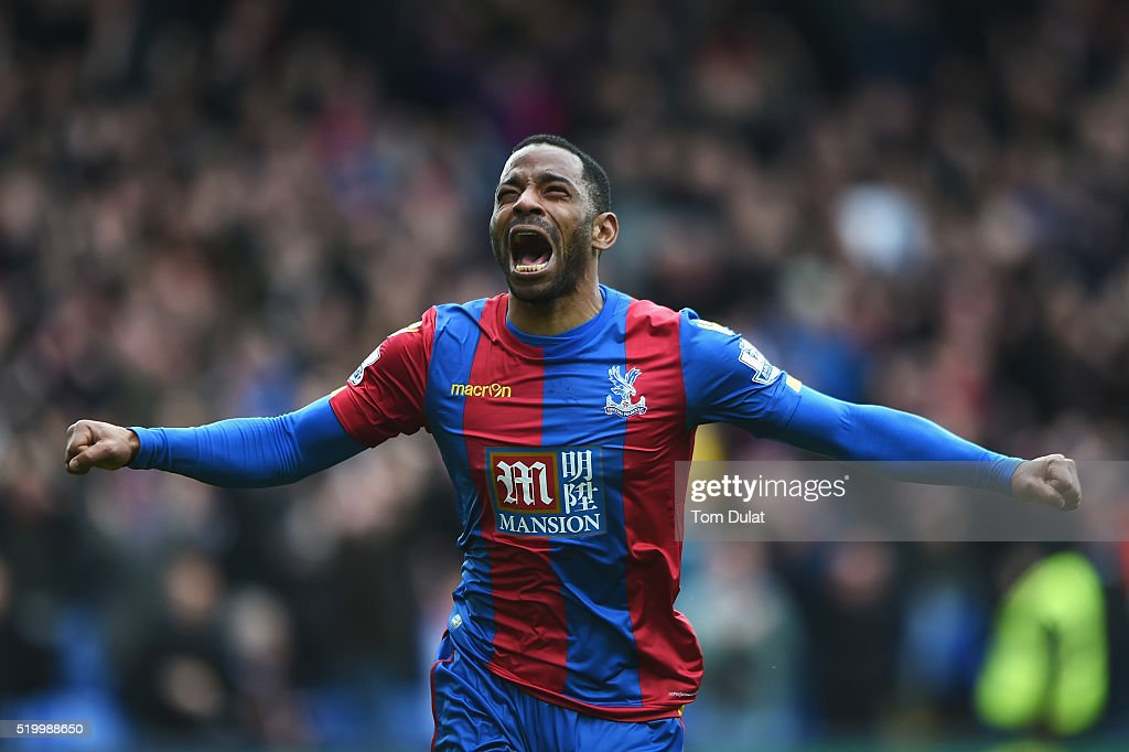 <a gi-track='captionPersonalityLinkClicked' href=/galleries/search?phrase=Jason+Puncheon&family=editorial&specificpeople=747694 ng-click='$event.stopPropagation()'>Jason Puncheon</a> of Crystal Palace celebrates scoring his team's first goal during the Barclays Premier League match between Crystal Palace and Norwich City at Selhurst Park on April 9, 2016 in London, England.