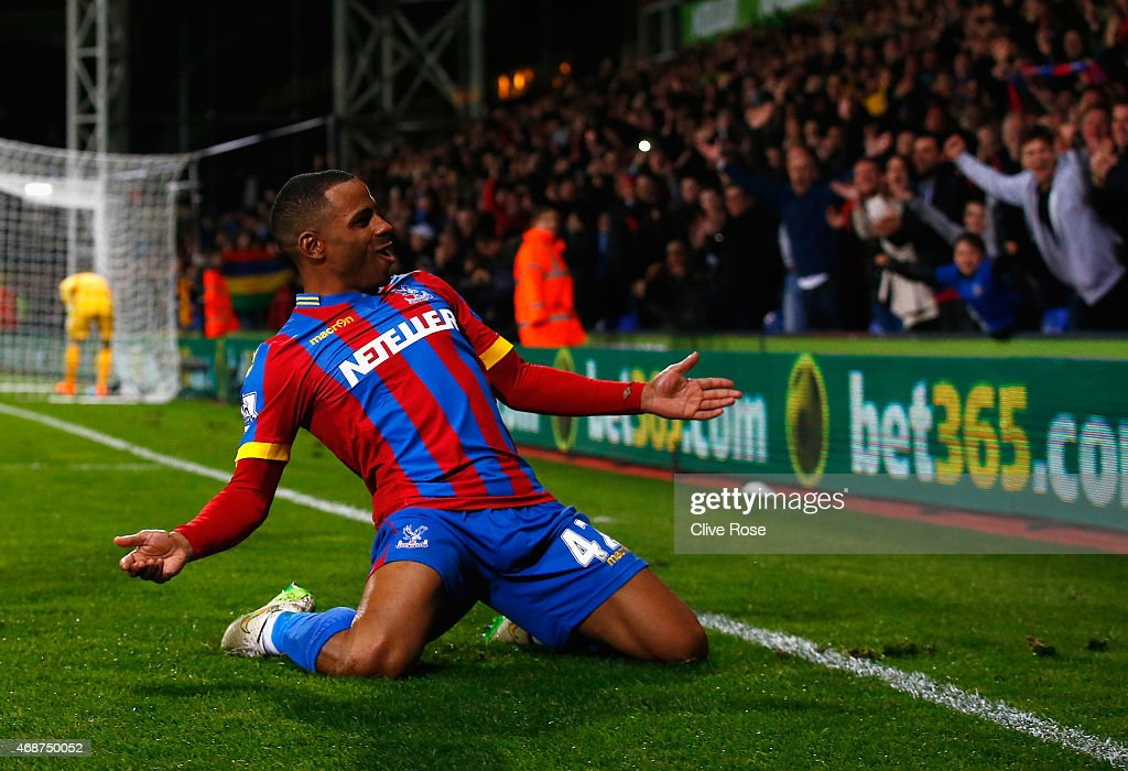 <a gi-track='captionPersonalityLinkClicked' href=/galleries/search?phrase=Jason+Puncheon&family=editorial&specificpeople=747694 ng-click='$event.stopPropagation()'>Jason Puncheon</a> of Crystal Palace celebrates scoring his team's second goal during the Barclays Premier League match between Crystal Palace and Manchester City at Selhurst Park on April 6, 2015 in London, England.