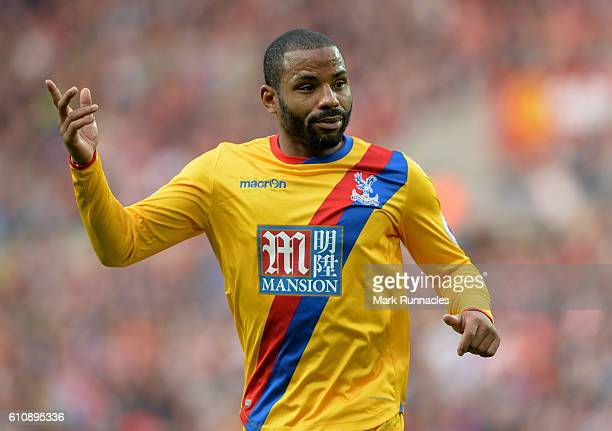 Jason Puncheon of Crystal Palace in action during the Premier League match between Sunderland FC and Crystal Palace FC at Stadium of Light on...