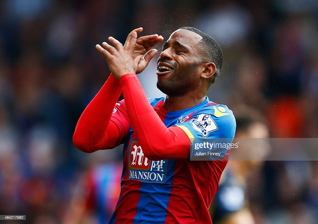 <a gi-track='captionPersonalityLinkClicked' href=/galleries/search?phrase=Jason+Puncheon&family=editorial&specificpeople=747694 ng-click='$event.stopPropagation()'>Jason Puncheon</a> of Crystal Palace reacts during the Barclays Premier League match between Crystal Palace and Arsenal at Selhurst Park on August 16, 2015 in London, England.