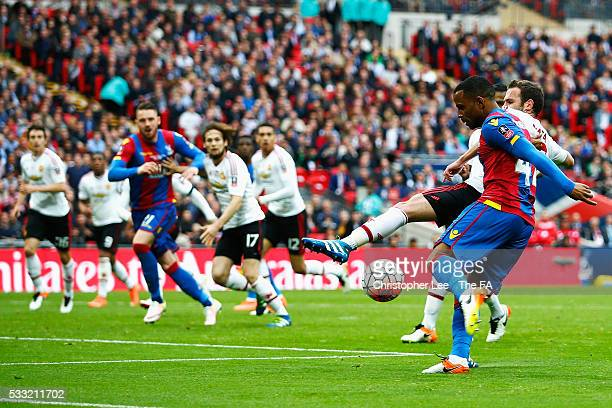 Jason Puncheon of Crystal Palace scores his team's first goal during The Emirates FA Cup Final match between Manchester United and Crystal Palace at...