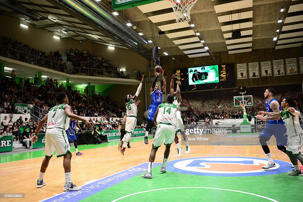 Jason Rich of Paris Levallois shoots a three pointer during the basketball French Pro A League match between Nanterre and Paris Levallois on May 5, 2016 in Nanterre, France.