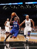 Jason Richardson of the Philadelphia 76ers dribbles the ball against the Brooklyn Nets at Barclays Center on December 23 2012 in the Brooklyn borough...