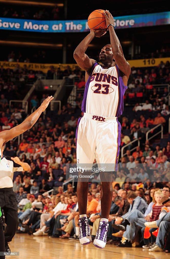 Minnesota Timberwolves v Phoenix Suns