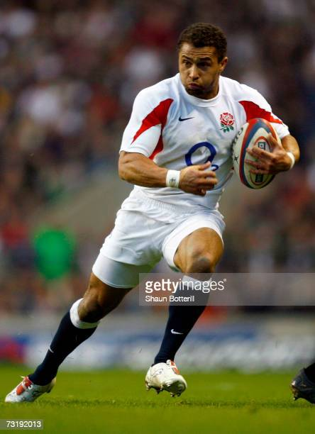 Jason Robinson of England sprints for the tryline to score during the RBS Six Nations championship match between England and Scotland at Twickenham...