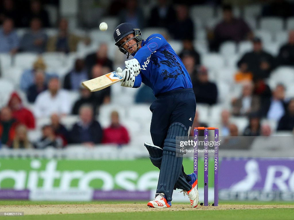 <a gi-track='captionPersonalityLinkClicked' href=/galleries/search?phrase=Jason+Roy+-+Cricket+Player&family=editorial&specificpeople=13892033 ng-click='$event.stopPropagation()'>Jason Roy</a> of England hits a six during the 4th Royal London ODI between England and Sri Lanka at The Kia Oval on June 29, 2016 in London, England.