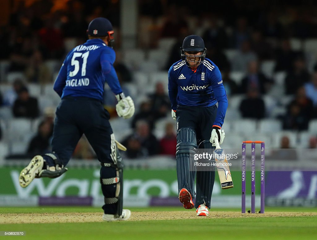 <a gi-track='captionPersonalityLinkClicked' href=/galleries/search?phrase=Jason+Roy+-+Cricket+Player&family=editorial&specificpeople=13892033 ng-click='$event.stopPropagation()'>Jason Roy</a> of England injures his foot during the 4th Royal London ODI between England and Sri Lanka at The Kia Oval on June 29, 2016 in London, England.