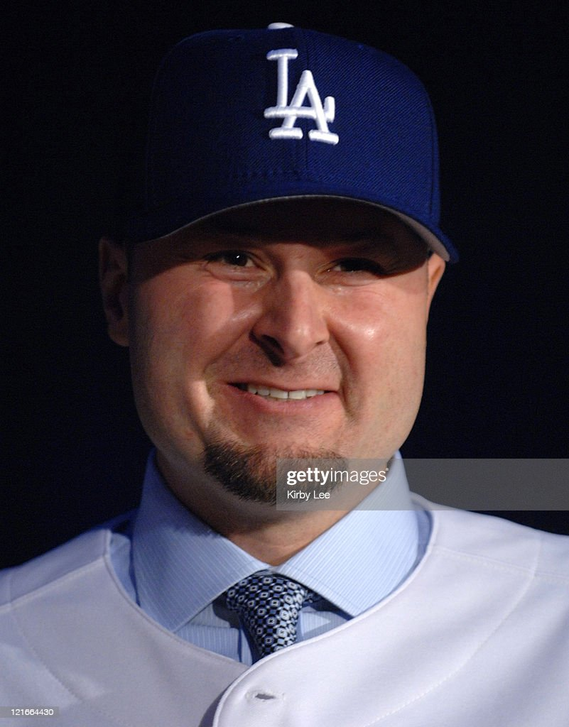 Los Angeles Dodgers Announce Signing of Mike Lieberthal, Luis Gonzalez and
