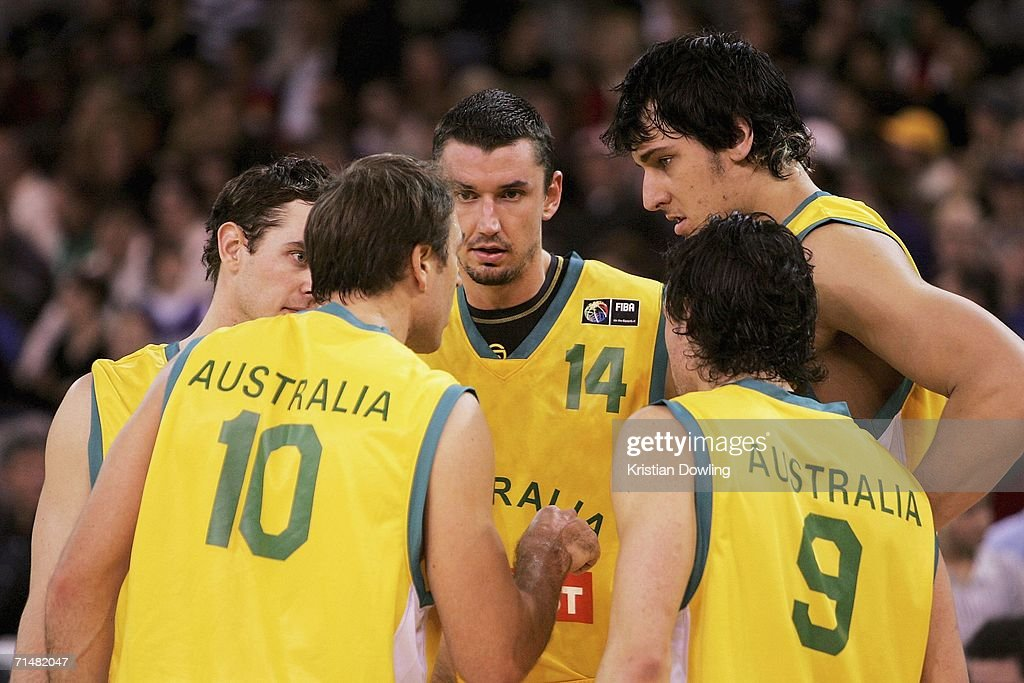 Jason Smith #10 of the Boomers instructs his team-mates during the Resi Mortgage Test Series match between the Australian Boomers and the New Zealand Tall Blacks at Vodafone Arena July 19, 2006 in Melbourne, Australia.