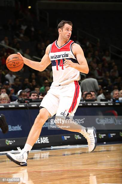 Jason Smith of the Washington Wizards drives to the basket against the Philadelphia 76ers during a preseason game on October 13 2016 at Verizon...