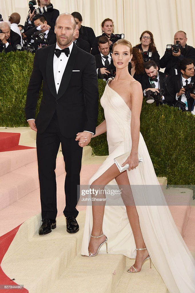 Jason Statham and Rosie Huntington-Whiteley attend the 'Manus x Machina: Fashion In An Age Of Technology' Costume Institute Gala at Metropolitan Museum of Art on May 2, 2016 in New York City.