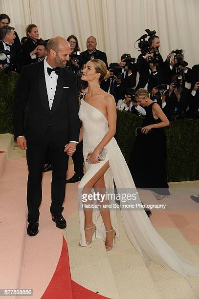Jason Statham and Rosie HuntingtonWhiteley attends 'Manus x Machina Fashion In An Age Of Technology' Costume Institute Gala at