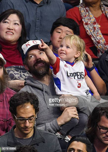 Jason Sudeikis and his son Otis Sudeikis attend a basketball game between the Chicago Bulls and the Los Angeles Clippers at Staples Center on January...