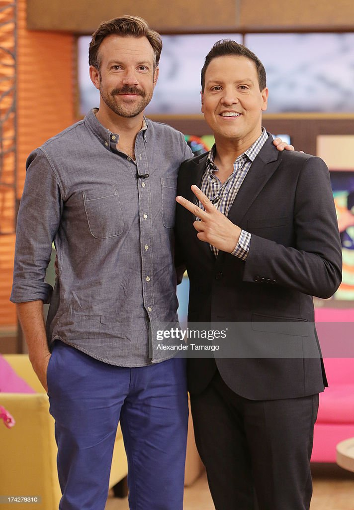 <a gi-track='captionPersonalityLinkClicked' href=/galleries/search?phrase=Jason+Sudeikis&family=editorial&specificpeople=4232997 ng-click='$event.stopPropagation()'>Jason Sudeikis</a> and Raul Gonzalez (R) visit Univisions Despierta America at Univision Headquarters on July 23, 2013 in Miami, Florida.