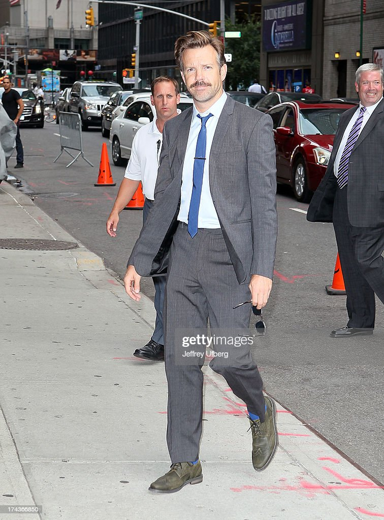 <a gi-track='captionPersonalityLinkClicked' href=/galleries/search?phrase=Jason+Sudeikis&family=editorial&specificpeople=4232997 ng-click='$event.stopPropagation()'>Jason Sudeikis</a> arrives to 'Late Show with David Letterman' at Ed Sullivan Theater on July 24, 2013 in New York City.