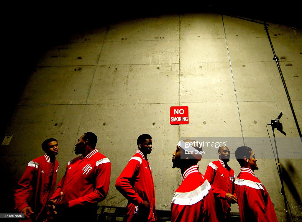 Jason Terry #31 and Nick Johnson #3 of the Houston Rockets stand in the tunnel before taking on the Golden State Warriors during game five of the Western Conference Finals of the 2015 NBA Playoffs at ORACLE Arena on May 27, 2015 in Oakland, California.