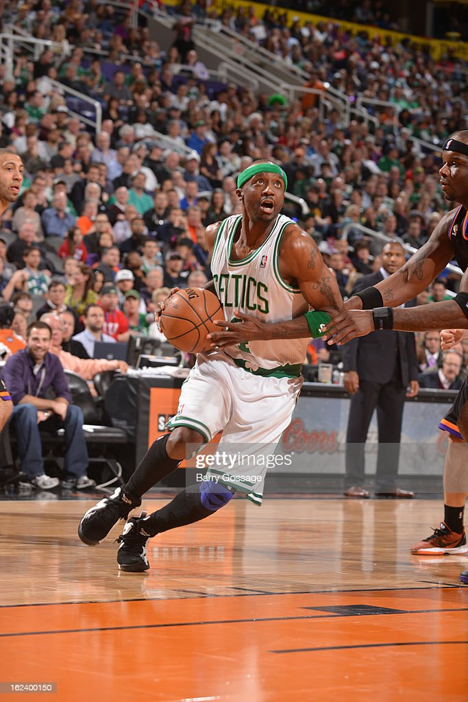 <a gi-track='captionPersonalityLinkClicked' href=/galleries/search?phrase=Jason+Terry&family=editorial&specificpeople=201734 ng-click='$event.stopPropagation()'>Jason Terry</a> #4 of the Boston Celtics drives to the basket against Phoenix Suns on February 22, 2013 at U.S. Airways Center in Phoenix, Arizona.