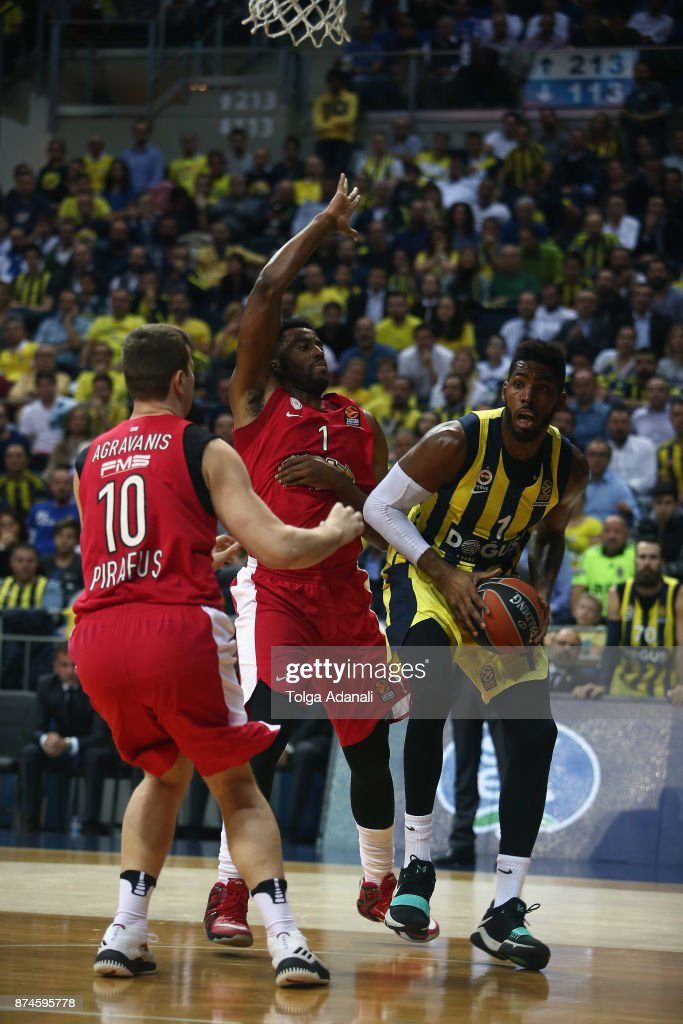 Jason Thompson, #1 of Fenerbahce Dogus Istanbul and Jamel McLean, #1 of Olympiacos Piraeus in action during the 2017/2018 Turkish Airlines EuroLeague Regular Season Round 7 game between Fenerbahce Dogus Istanbul and Olympiacos Piraeus at Ulker Sports and Event Hall on November 15, 2017 in Istanbul, Turkey.