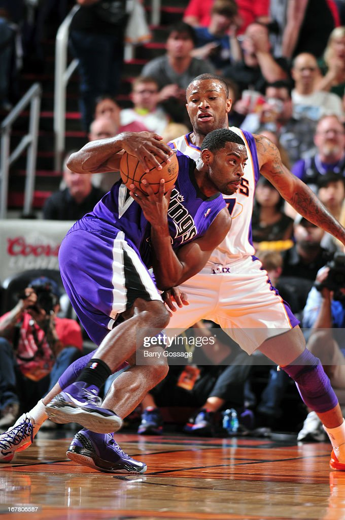 Jason Thompson #34 of the Sacramento Kings drives to the basket against the Phoenix Suns on March 28, 2013 at U.S. Airways Center in Phoenix, Arizona.