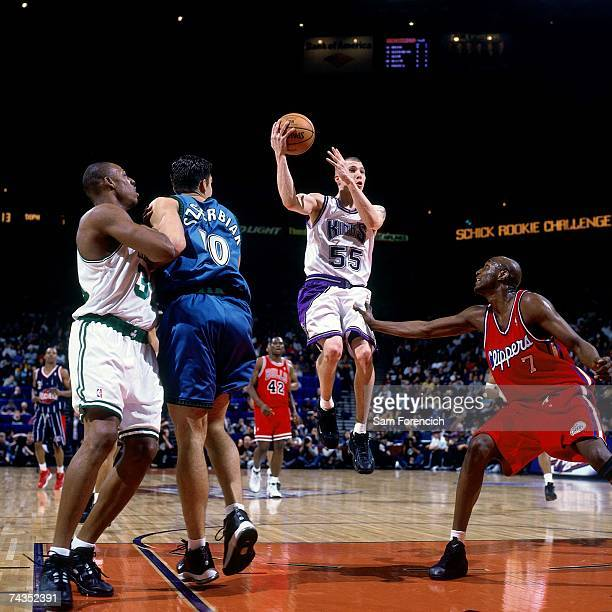 Jason Williams of the Sophmores attempts a shot against the Rookies during the 2000 Rookie AllStar Game played February 11 2000 at the ORACLE Arena...