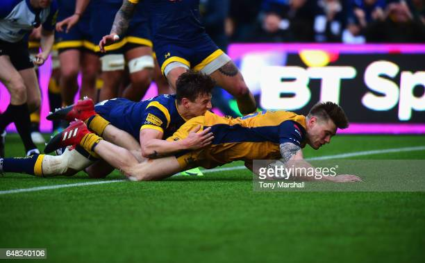 Jason Woodward of Bristol Rugby dives in to score a try during the Aviva Premiership match between Worcester Warriors and Bristol Rugby at Sixways...