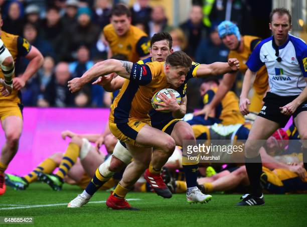 Jason Woodward of Bristol Rugby runs in to score a try during the Aviva Premiership match between Worcester Warriors and Bristol Rugby at Sixways...