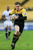 Jason Woodward of the Hurricanes in action during the Super Rugby Quarterfinal match between the Hurricanes and the Sharks at Westpac Stadium on July...