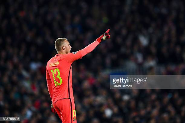 Jasper Cillessen of FC Barcelona looks on during the UEFA Champions League match between FC Barcelona and VfL Borussia Moenchengladbach at Camp Nou...