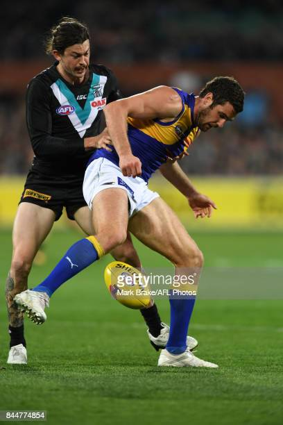 Jasper Pittard puts pressure on Jack Darling during the AFL First Elimination Final match between Port Adelaide Power and West Coast Eagles at...