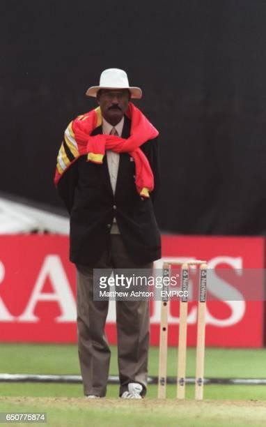Javed Akhtar umpire
