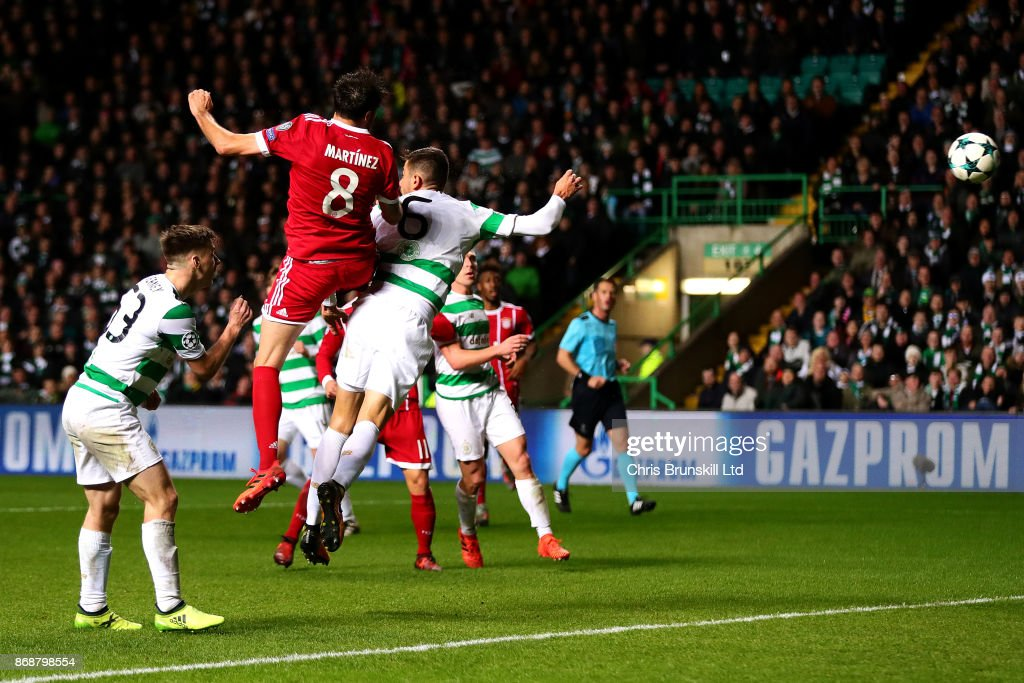 Javi Martinez of Bayern Muenchen scores his side's second goal during the UEFA Champions League group B match between Celtic FC and Bayern Muenchen at Celtic Park on October 31, 2017 in Glasgow, United Kingdom.