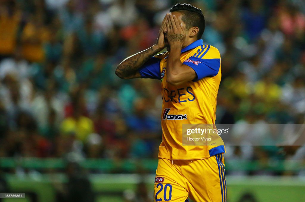<a gi-track='captionPersonalityLinkClicked' href=/galleries/search?phrase=Javier+Aquino&family=editorial&specificpeople=7218711 ng-click='$event.stopPropagation()'>Javier Aquino</a> of Tigres celebrates after scoring the first goal of his team during a 4th round match between Leon and Tigres UANL as part of the Apertura 2015 Liga MX at Leon Stadium on August 12, 2015 in Leon, Mexico.