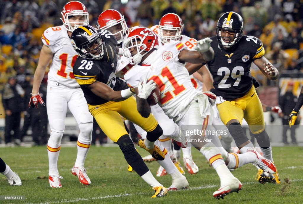 Javier Arenas #21 of the Kansas City Chiefs returns a kick off against <a gi-track='captionPersonalityLinkClicked' href=/galleries/search?phrase=Cortez+Allen&family=editorial&specificpeople=5516860 ng-click='$event.stopPropagation()'>Cortez Allen</a> #28 of the Pittsburgh Steelers during the game on November 12, 2012 at Heinz Field in Pittsburgh, Pennsylvania. The Steelers defeated the Chiefs 16-13.