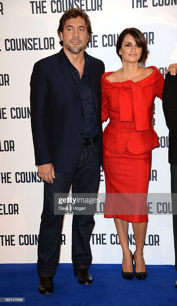 <a gi-track='captionPersonalityLinkClicked' href=/galleries/search?phrase=Javier+Bardem&family=editorial&specificpeople=209334 ng-click='$event.stopPropagation()'>Javier Bardem</a> and Penelope Cruz attend a photocall for 'The Counselor' at The Dorchester on October 5, 2013 in London, England.