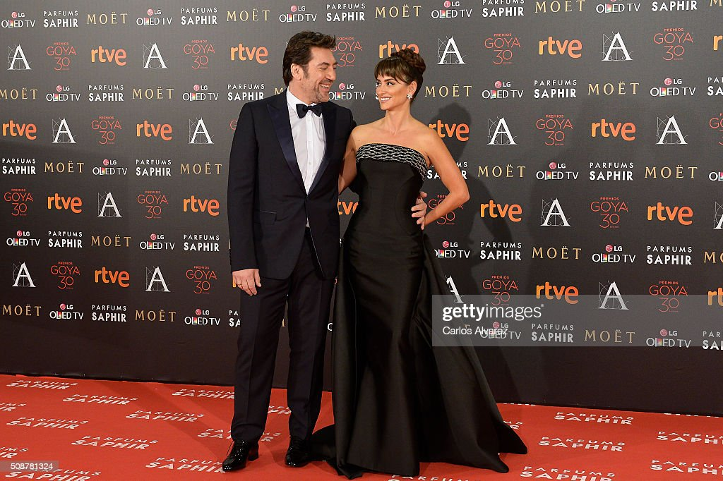 Javier Bardem and wife Penelope Cruz attend Goya Cinema Awards 2016 at Madrid Marriott Auditorium on February 6, 2016 in Madrid, Spain.