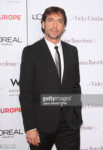 Javier Bardem arrives arrives to the red carpet at the Los Angeles Premiere of 'Vicky Cristina Barcelona' at the Mann Village Theatre on August 4...