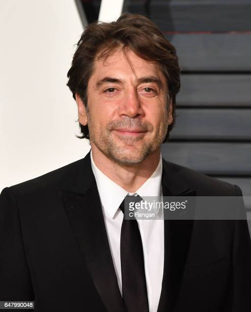 Javier Bardem attends the 2017 Vanity Fair Oscar Party hosted by Graydon Carter at Wallis Annenberg Center for the Performing Arts on February 26...