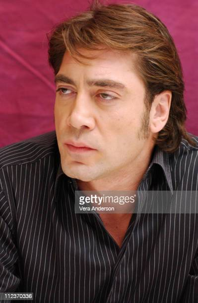 Javier Bardem during 'The Sea Inside' Press Conference with Alejandro Amenabar Javier Bardem and Belen Rueda at Four Seasons Hotel in Beverly Hills...