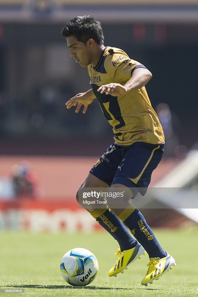 Javier Cortes of Pumas controls the ball during a match between Pumas and Chivas as part of Clausura 2013 Liga MX at Olympic Stadium on March 03, 2013 in Mexico City, Mexico.