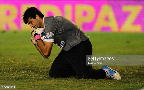 Javier Garcia of Tigre during makes a save a match between Tigre and River Plate as part of sixth round of Torneo Final 2014 at Coliseo de Victoria...