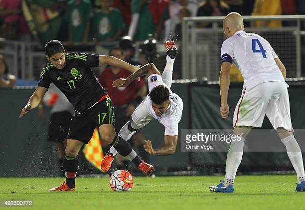 Javier Güemez of Mexico fghts for the ball during a FIFA Confederations Cup Qualifier match between USA and Mexico at Rose Bowl Stadium on October 10...