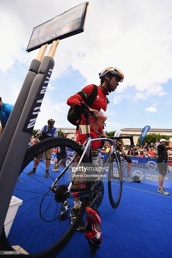 Noya Spain  city photo : Javier Gomez Noya of Spain competes in the Men's ITU World Triathlon ...