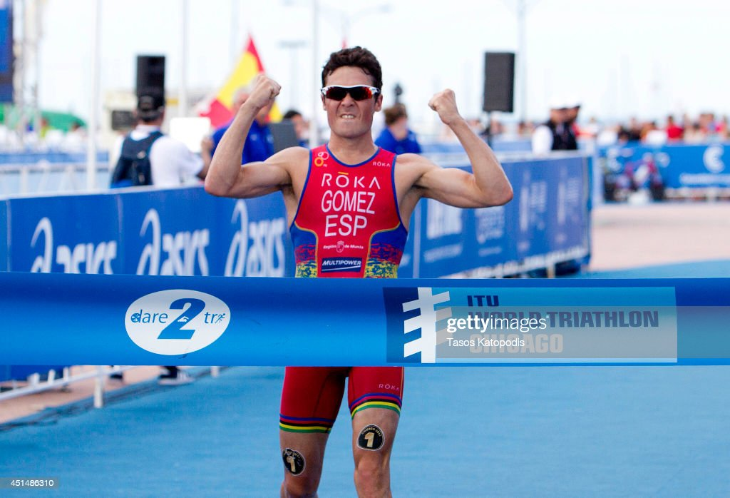 Noya Spain  city pictures gallery : Javier Gomez Noya of Spain celebrates his first place win in the Elite ...